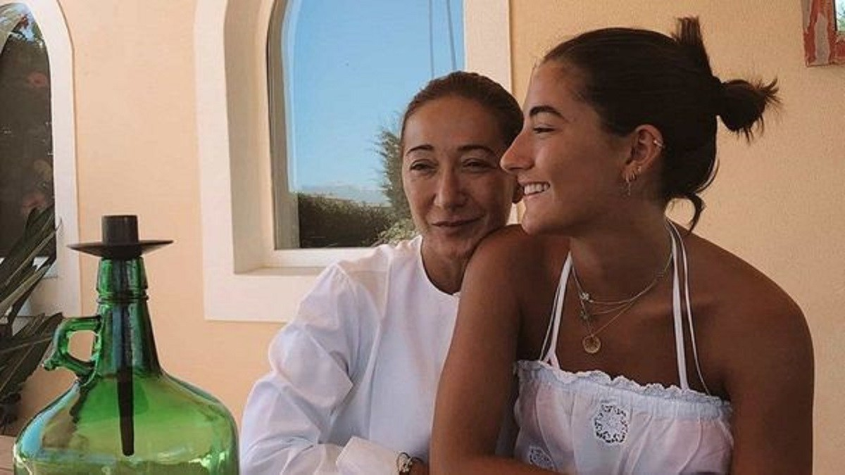 Wife and daughter of Mourinho (both Matildes)